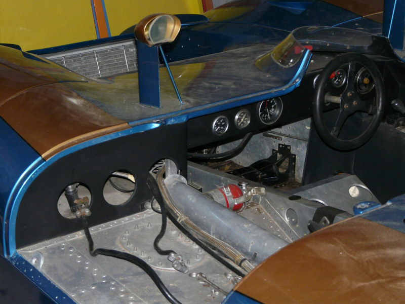 Name:  ford-open-sport-cockpit[1].jpg Views: 3956 Size:  127.3 KB