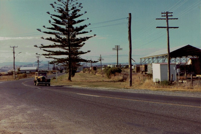 Name:  Vintage Rally 1972 #20 Street scene  2   CCI02052016 (800x533).jpg Views: 860 Size:  128.7 KB