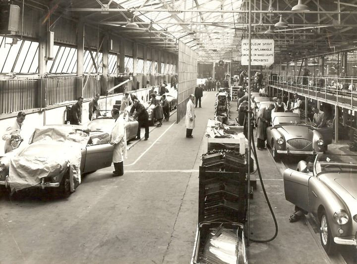 Name:  AH 100 #087 Factory photo Healey 100 production line AH Historic Pictures .jpg