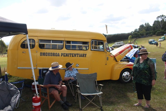 Name:  C and C 2021 #212 Pahoia Ford Bus Brian Kirk 2021_02_13_2112 (640x427).jpg Views: 62 Size:  91.5 KB