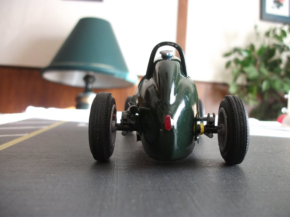 Name:  Jim Bennett Furi Cars #100 Furi 9 Tony Lucas model 10 rear view T Lucas .jpg