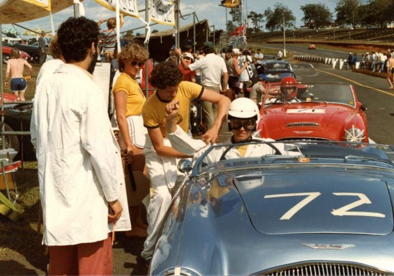 Name:  AHCC Le Mans Feb 83 Car change #71 to # 72 img707 (3) (800x561).jpg Views: 3527 Size:  150.4 KB