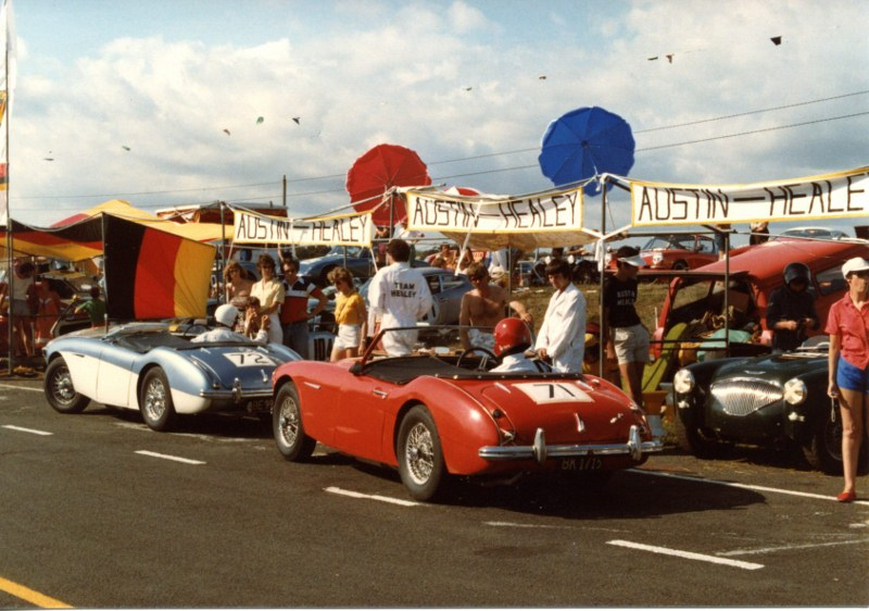 Name:  Car change Barry out  blue car  Ross in AHCC Le Mans Feb 83 Dimg701 (2) (800x562).jpg Views: 3480 Size:  139.0 KB