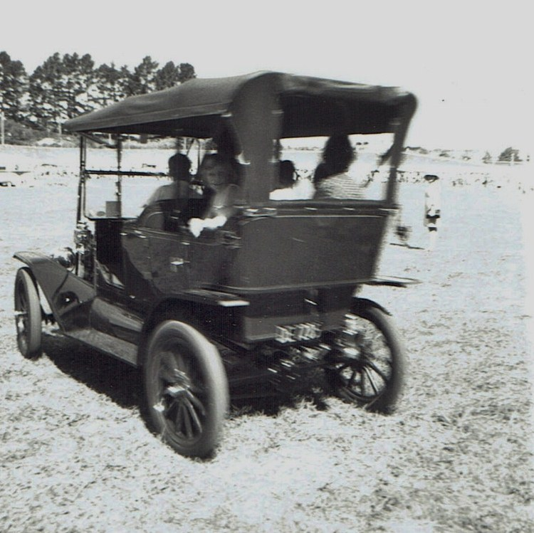 Name:  Vintage Rally 1968 Western Spings #3 1915 Model T Ford CCI19012016_0004 (750x749).jpg Views: 1815 Size:  148.2 KB