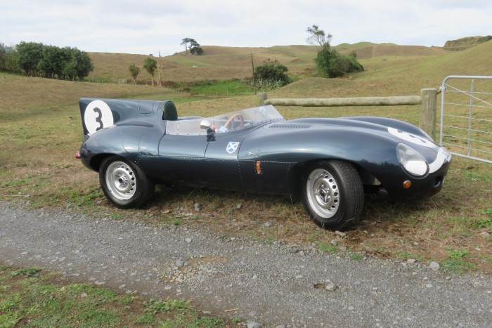 Name:  219_0310_020 Jaguar r.JPG Views: 213 Size:  116.4 KB