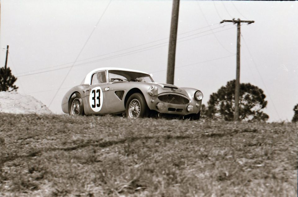 Name:  AH 3000 #360 Sebring 1964 Cars #33 and #34 . car #33 K Stelk archives .jpg Views: 143 Size:  75.1 KB