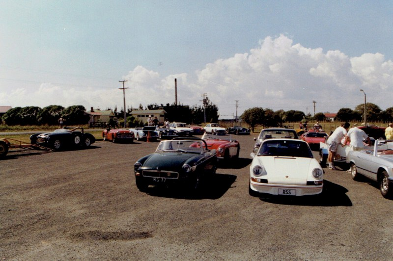 Name:  AHCCNZ Otaua Hill Climb #6 1988 scrutineering Hotel carpark CCI25112015 (800x532).jpg Views: 649 Size:  127.0 KB