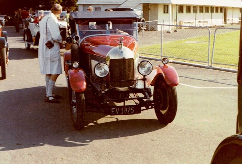 Name:  Vintage Rally 1972 #28 1925 MG - Morris Oxford 19 CCI03052016_0002 (800x543).jpg Views: 825 Size:  140.1 KB