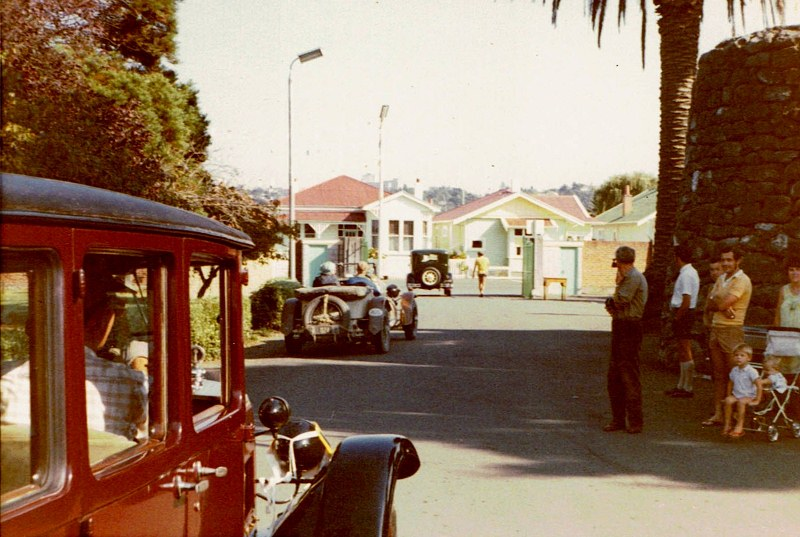 Name:  Vintage Rally 1972 #42 departing ; Ford A, Mercedes and close an Austin ! 34 CCI09052016 (800x53.jpg Views: 995 Size:  141.8 KB