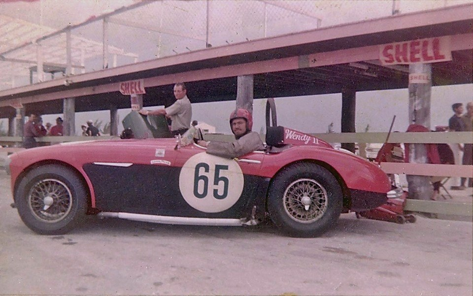Name:  AH 100 #149 Healey - Corvette Forrest Dana 1960 Nassau Trophy Race  Pieter Bakker archives.jpg