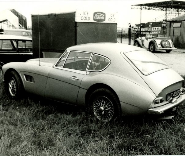 Name:  AH 3000 #52 Coupe prototype at Silverstone 1968 I Visser archives .jpg Views: 159 Size:  79.8 KB