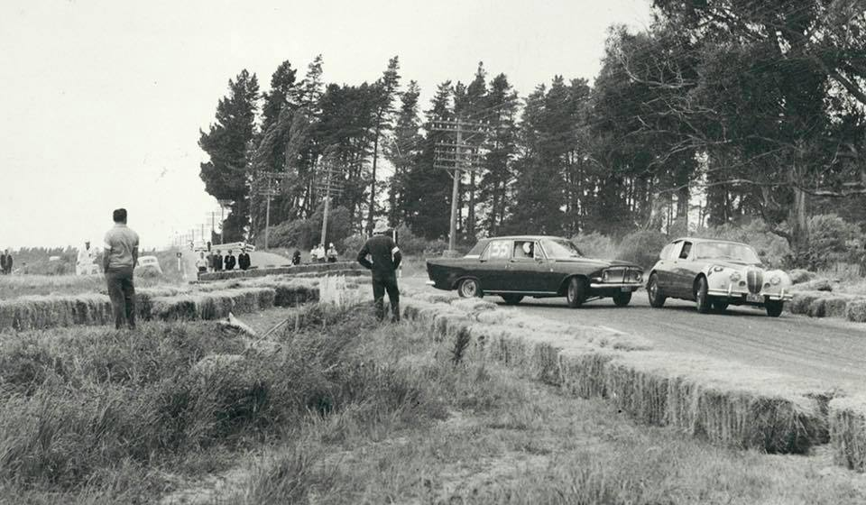 Name:  Motor Racing Renwick #21 1963 Ernie Sprague Zephyr Ray Archibald Jaguar Marlborough CC archives.jpg Views: 75 Size:  89.3 KB