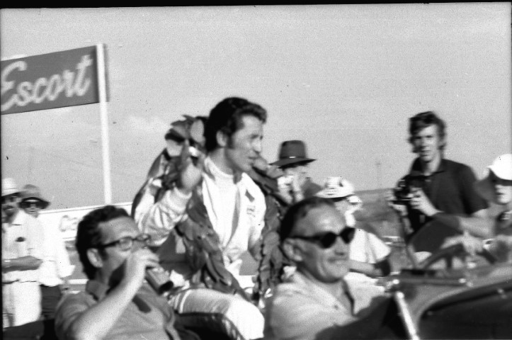 Name:  Mario Andretti after winning the 1971 SA GP in his Ferrari (Small).JPG Views: 54 Size:  102.2 KB