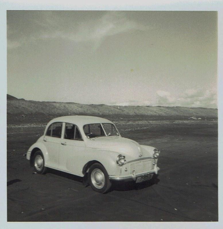 Name:  Cars by Roger Dowding #1 Richard's 1951 Morris Minor - 1966 CCI04022016_0007 (777x800).jpg Views: 83 Size:  113.3 KB