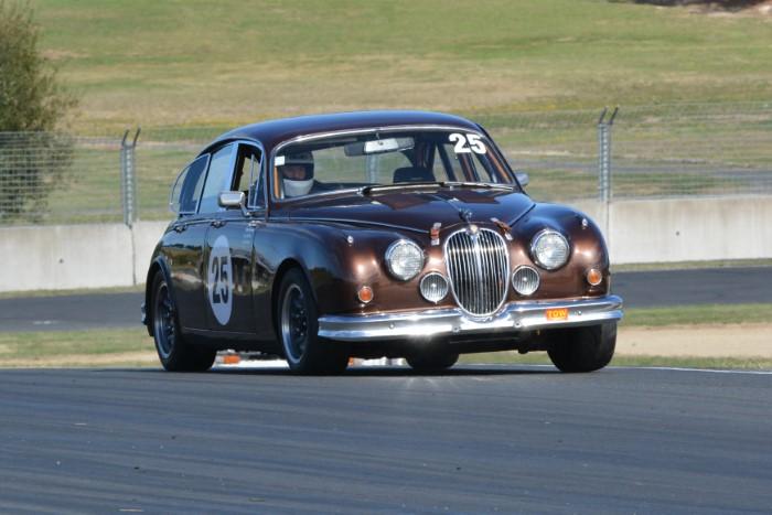 Name:  221_0321_512 Jaguar.JPG Views: 144 Size:  118.6 KB