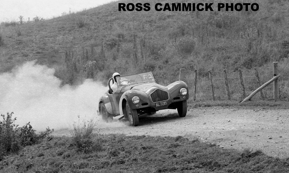 Name:  Rob Williams #043 Allard Rob Williams NSCC-Cosseys-Farm-1975 Ross Cammick.jpg Views: 45 Size:  146.2 KB