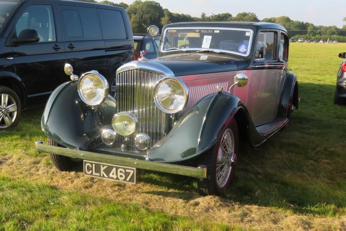 Name:  221_0916_004 Bentley.JPG Views: 58 Size:  130.4 KB
