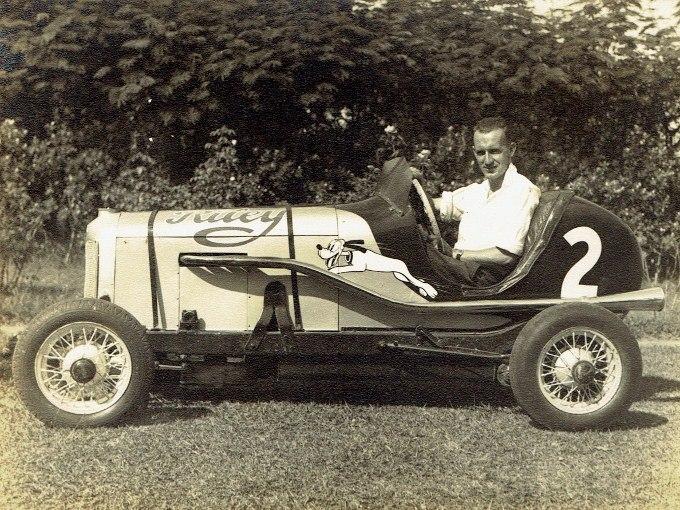 Name:  Jack Boot #038 1944 Bugley Riley Bugatti special U59 Jack Boot in car Huntly.jpg Views: 37 Size:  142.4 KB
