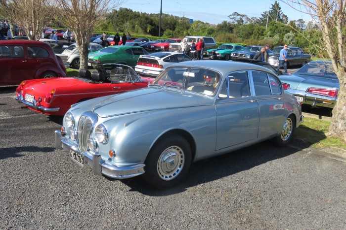 Name:  218_0930_57 Daimler.JPG