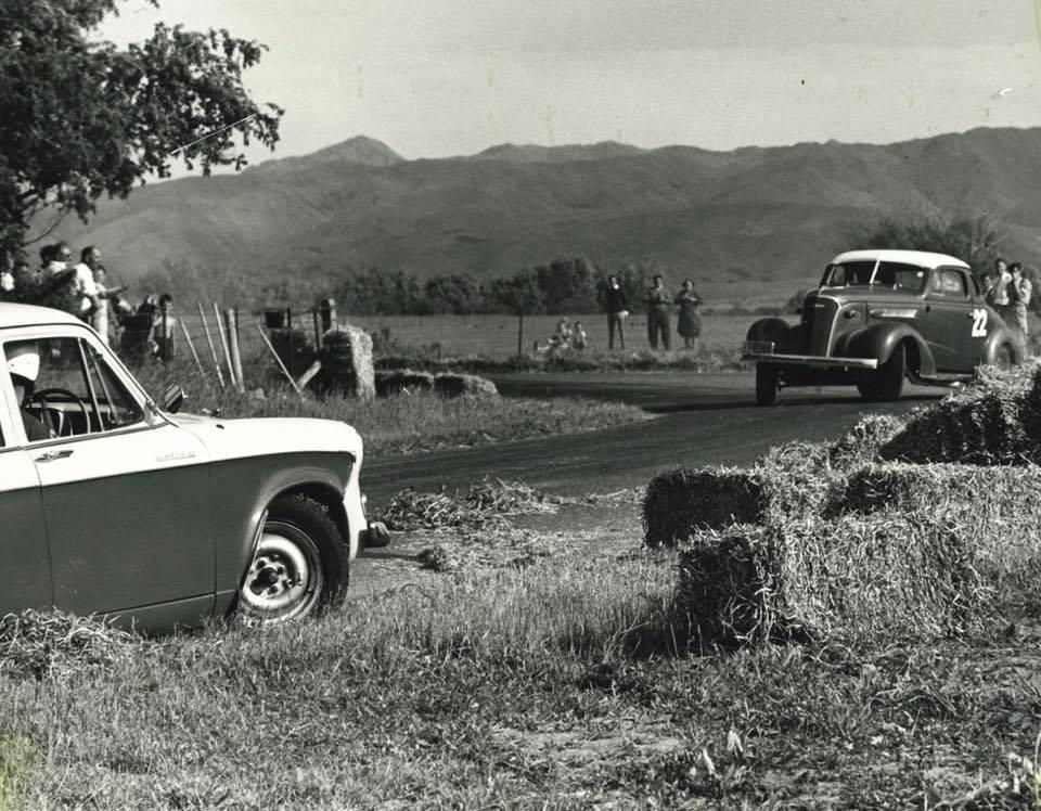 Name:  Motor Racing Renwick #19 1963 Wayne Fuller Humber Giff Tait Chev Coupe Marlborough CC archives.jpg Views: 81 Size:  126.1 KB