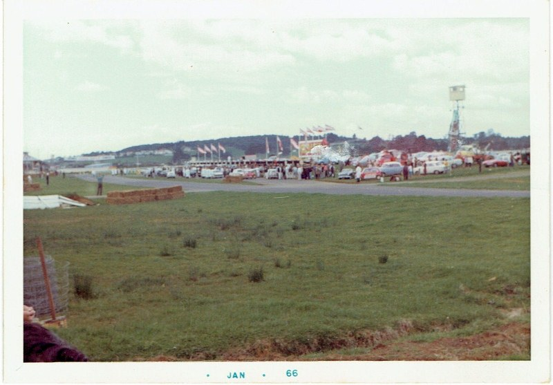 Name:  Pukekohe 1965 Gold Leaf 3 hour Wills 6 Hour the pits. CCI12102015 (800x557).jpg Views: 3075 Size:  107.7 KB