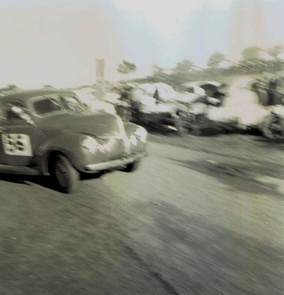 Name:  Pukekohe May 1966 #12 Ford Corvette Johhny Riley v2, CCI13102015 (2).jpg Views: 2891 Size:  153.7 KB