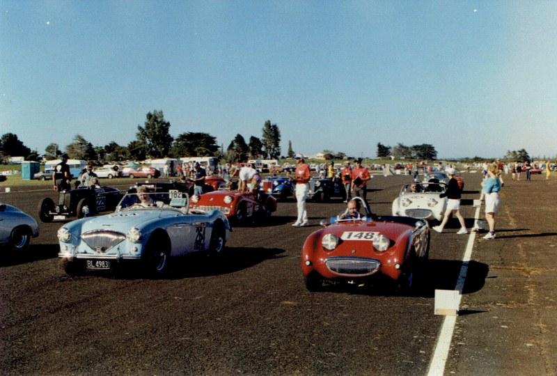 Name:  Ardmore Reunion 1989 #4 Healeys on the grid CCI10122015 (800x540).jpg Views: 454 Size:  143.0 KB