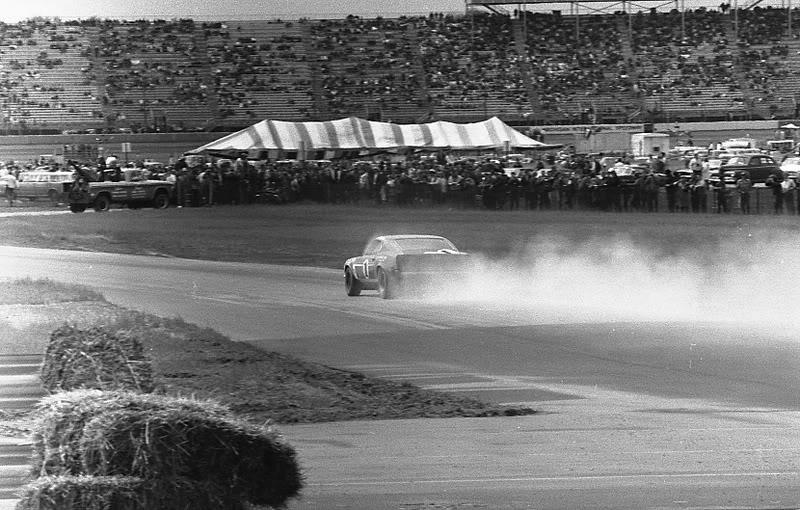 Name:  1969 Michigan International Speedway.jpg Views: 1332 Size:  118.5 KB