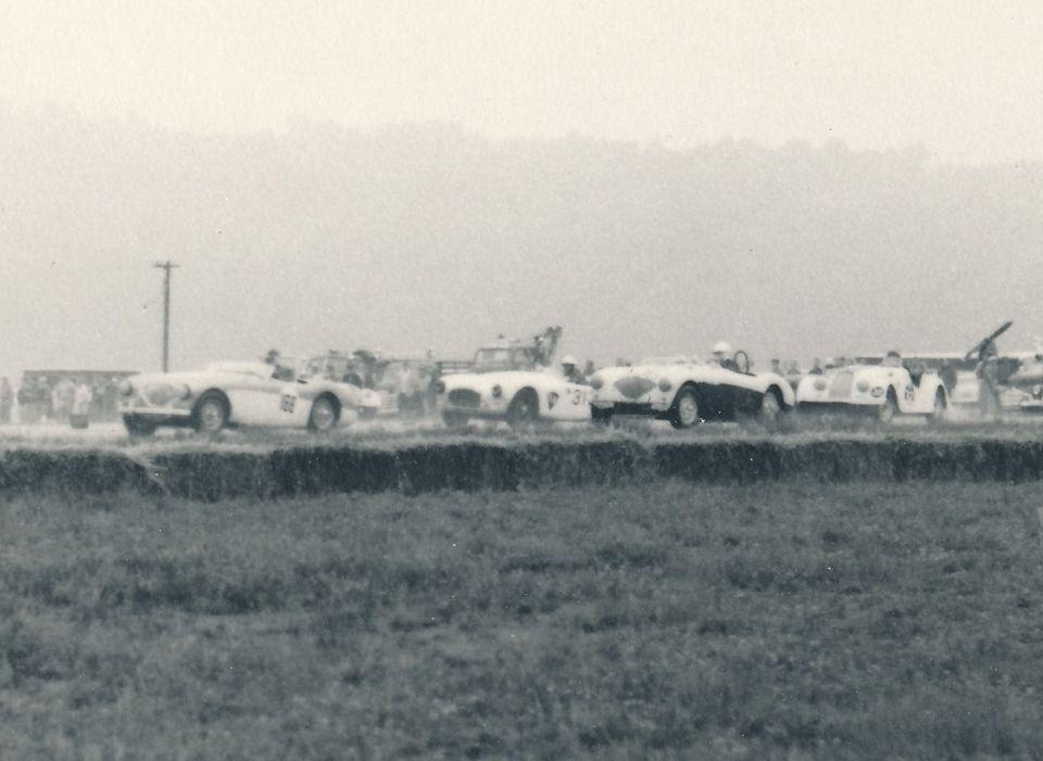 Name:  AH 100S #141 100S and 100 AC others Racing 1960 Santa Barbara Q Karsten Stelk .jpg Views: 186 Size:  66.3 KB