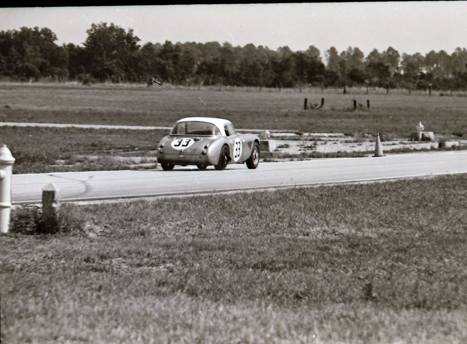 Name:  AH 3000 #361 Sebring 1964 Cars #33 and #34 . car #33 rear K Stelk archives .jpg