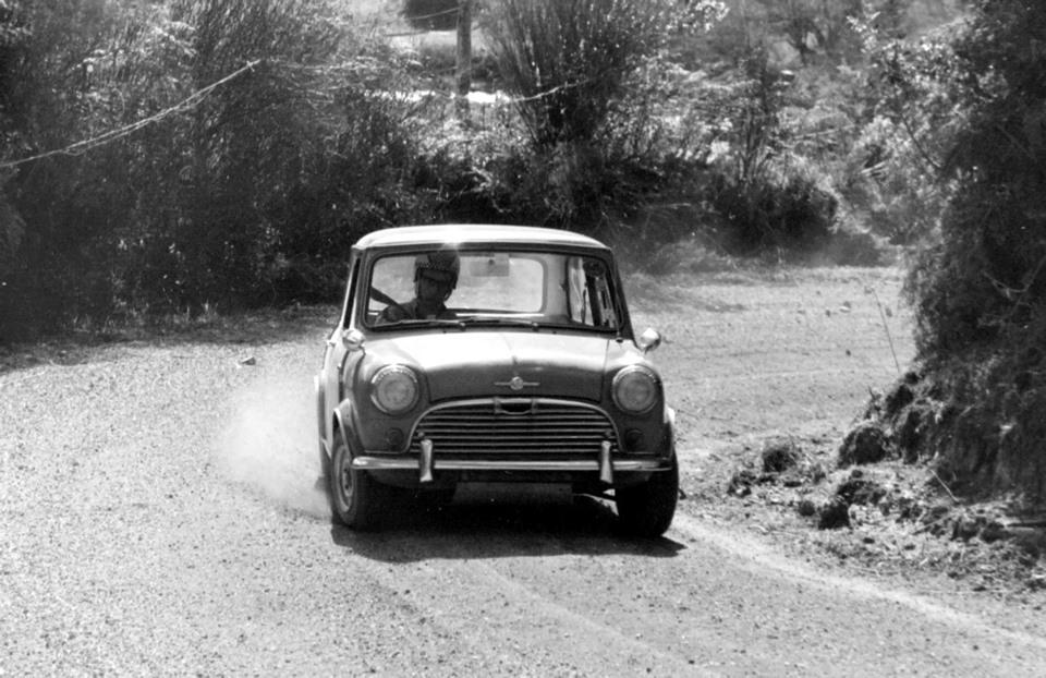 Name:  Cars #384 Morris Cooper S Peter Batten ACC Hill Climb 1970 Graeme Lindsay .jpg Views: 281 Size:  165.4 KB