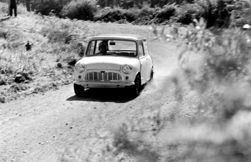Name:  Cars #387 Morris Mini ACC Hill Climb 1970 Graeme Lindsay .jpg Views: 275 Size:  121.8 KB