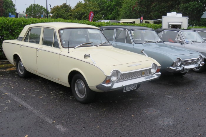 Name:  220_1129_14 Ford Corsair Ray Green .jpg