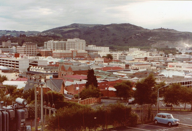 Name:  Dunedin Festival 1984 #51 the City and a Mini CCI24112015 (800x547).jpg Views: 856 Size:  152.4 KB