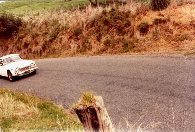 Name:  AHCCNZ Otaua Hill Climb #19 Triumph TR5 !! v2, CCI30112015_0003 (2) (750x509).jpg Views: 664 Size:  159.5 KB