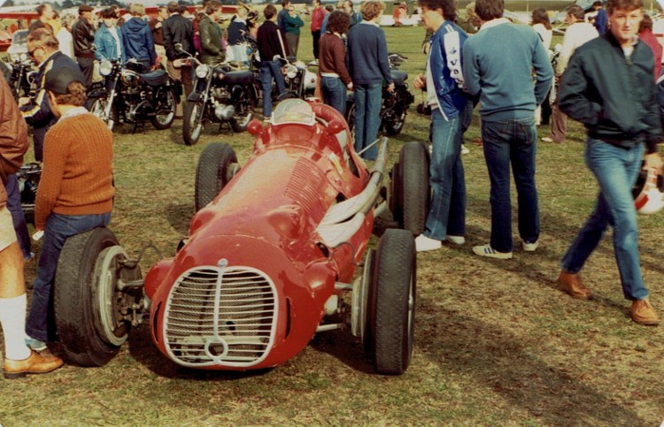 Name:  Ohakea Reunion 1982 #19 Maserati  & bikes CCI01012016 (750x483).jpg Views: 661 Size:  154.4 KB