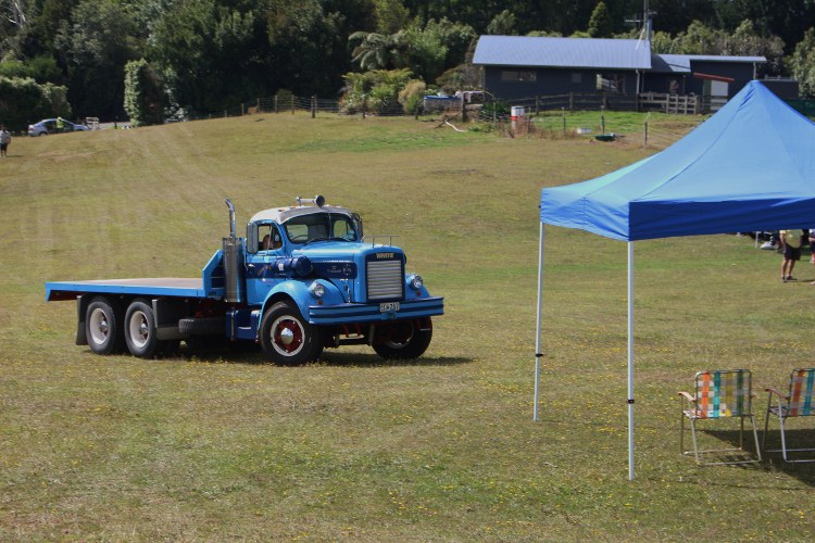 Name:  C and C 2021 #226 Pahoia White Truck - blue 2021_02_13_2126 (750x500).jpg Views: 269 Size:  150.5 KB
