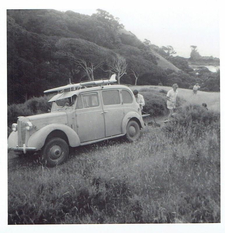 Name:  Cars by Roger Dowding #13 1950 Austin FL1 Hire Car Cactus Bay  Waiheke 2 Jan 1971 CCI04022016_00.jpg Views: 145 Size:  152.1 KB