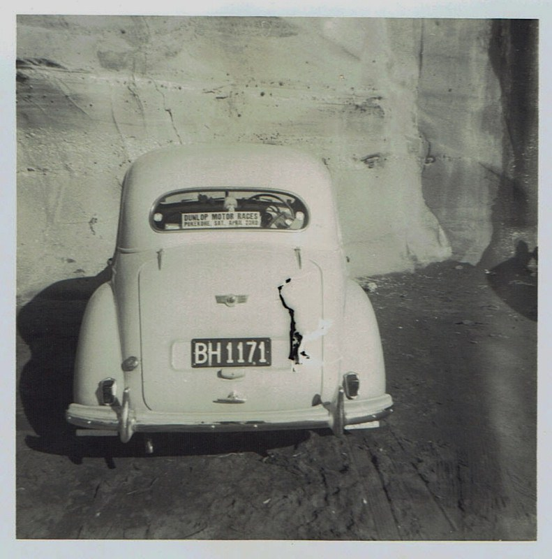 Name:  Cars by Roger Dowding #21 1951 Morris Minor - Richard Fowler Muriwai 1965 CCI05022016_0008 (791x.jpg Views: 120 Size:  134.3 KB