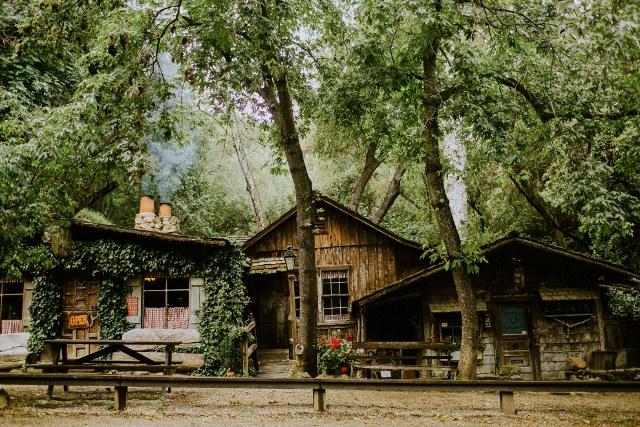 Name:  Healey Trip 1982 #202 Cold Springs Tavern Santa Barbara -website photo  (2) (640x427).jpg Views: 164 Size:  173.8 KB