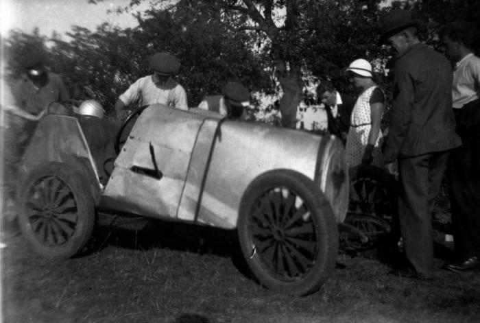 Name:  135_ Bugatti.JPG Views: 353 Size:  77.6 KB