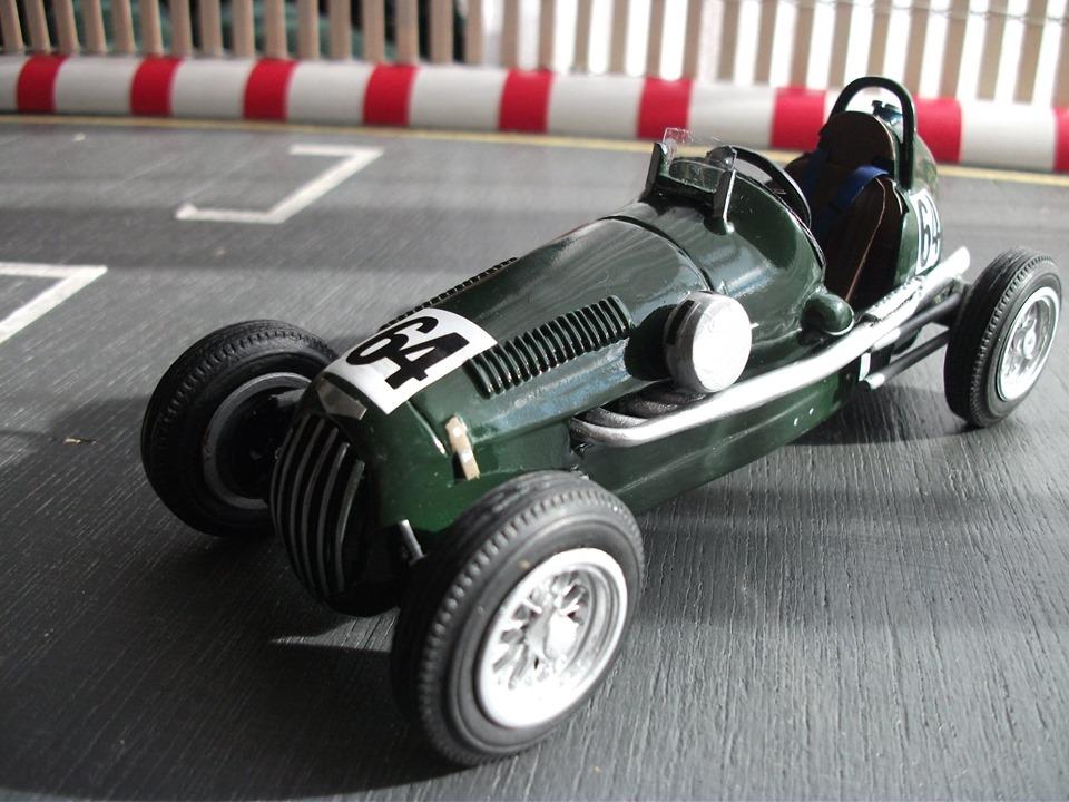 Name:  Jim Bennett Furi Cars #102 Furi 9 Tony Lucas model 12 numbers 64 front T Lucas .jpg Views: 171 Size:  167.2 KB