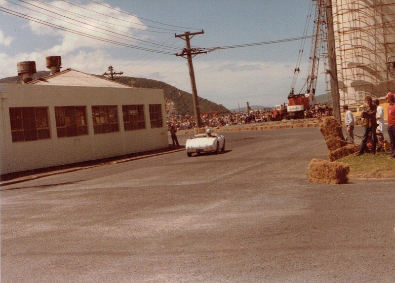 Name:  Dunedin Festival 1984 Healey Chris White CCI09102015_0001 (800x574).jpg Views: 2330 Size:  144.7 KB