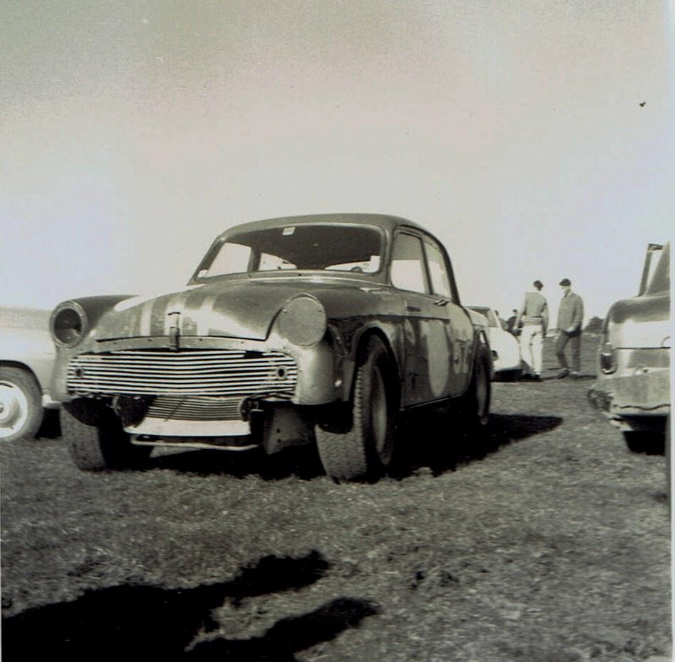 Name:  Pukekohe May 1966 #13, Humber -Jaguar  T Boyle v2, CCI13102015_0001 (2).jpg Views: 3076 Size:  167.8 KB