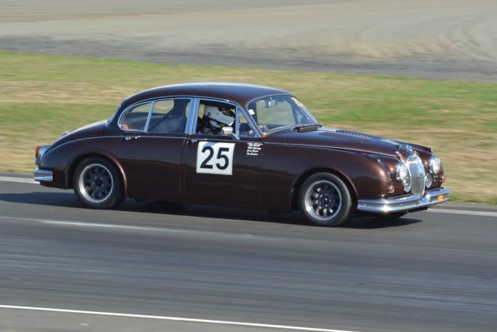 Name:  219_0324_281 Jaguar.JPG Views: 388 Size:  108.0 KB