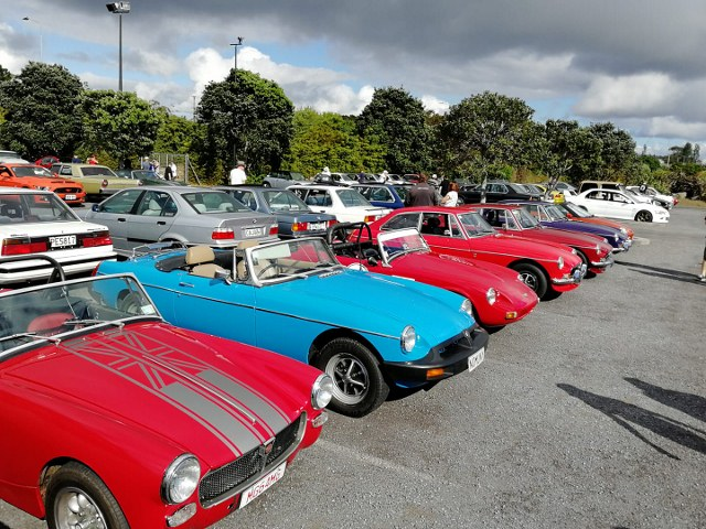 Name:  C and C 2020 #206 Midget Sprite and MGB's October 2020 small Stuart Battersby  (640x480) (2).jpg