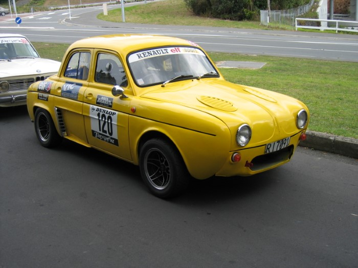 Name:  205_0501_10 Renault.JPG Views: 117 Size:  90.2 KB
