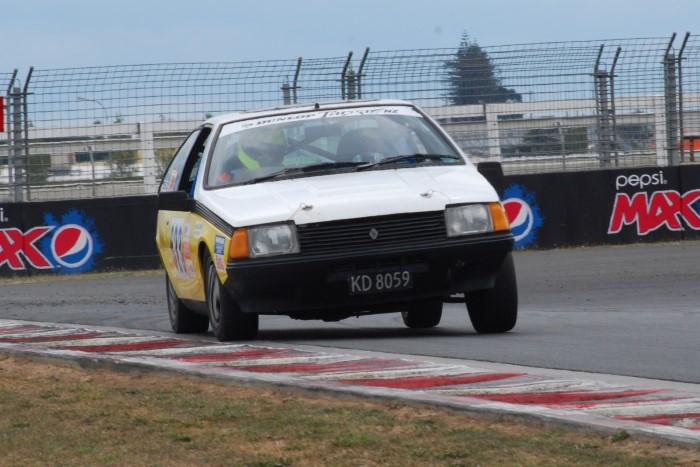 Name:  215_0221_038 Renault.JPG Views: 118 Size:  117.7 KB