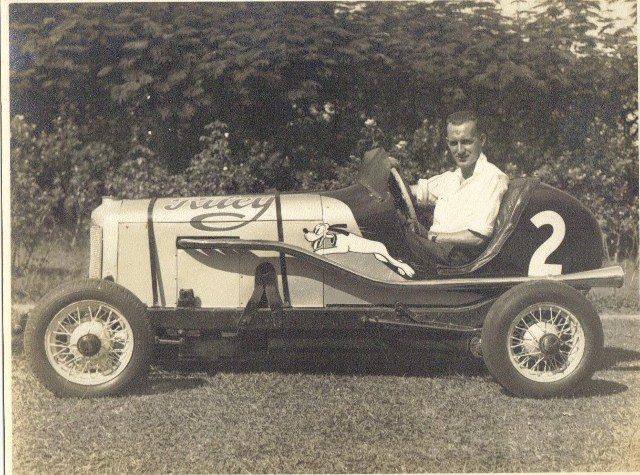 Name:  Jack Boot - Riley Special  cinder track Huntly mid 1940's #2 17-05-2015 02;16;37PM (640x475).jpg Views: 3584 Size:  141.2 KB