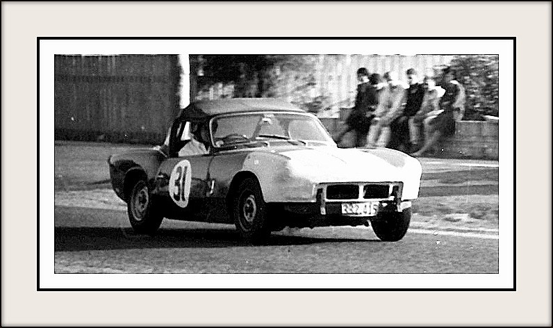 Name:  Motor Racing Matamata #40 1964 31 Kerry Grant Spitfire Bob Homewood.jpg
